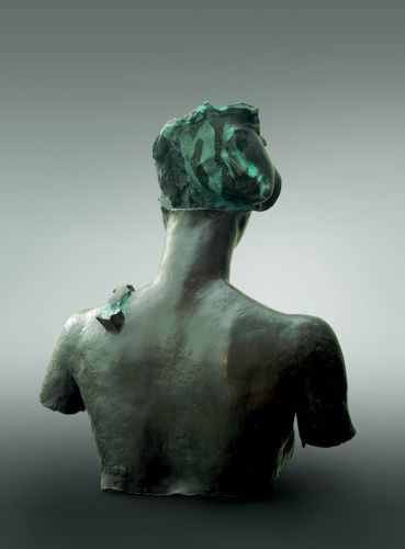 PORTRAIT OF A HEAD   bronze  height 82 cm  1997